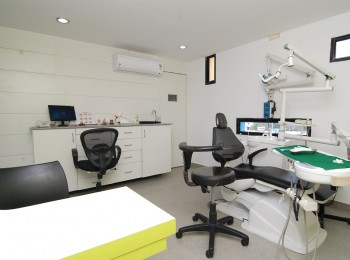 operate-dental-surgery-room